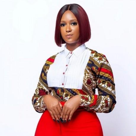 Jumeyi Faith Omale (fashion Oracle)