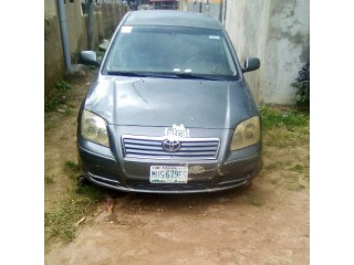 Used Toyota Avensis 2001
