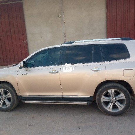 Classified Ads In Nigeria, Best Post Free Ads - used-toyota-highlander-2012-in-ipaja-lagos-for-sale-big-3