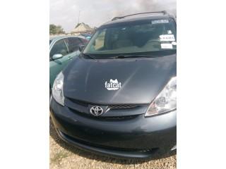 Used Toyota Sienna 2008