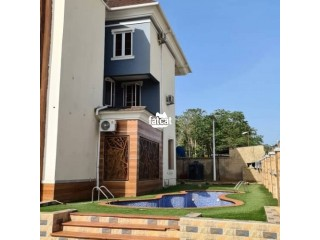 Simple and Elegant 4bedroom Duplex with bq