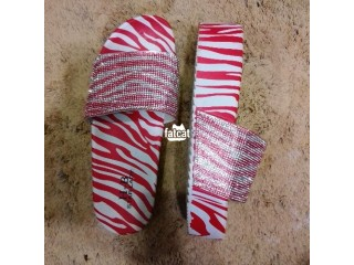 Quality and comfortable UK ladies easy wear slippers