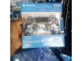 sony-playstation-dualshock-4-wireless-controller-small-0