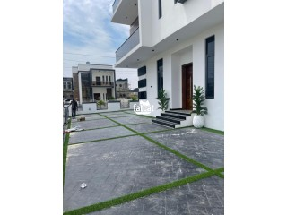 Contemporary and well finished 5 bedroom fully detached duplex with swimming pool for Sale
