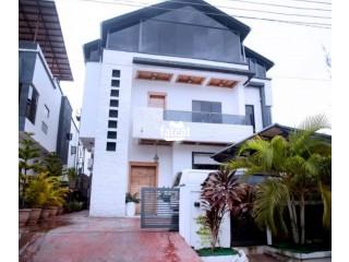 Short Let Luxury 5 Bedrooms Standalone Duplex in With a Pool in Lekki Ikota, Lagos Nigeria