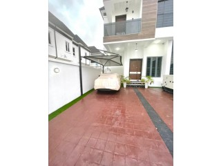 Luxury Semidetached 4 Bedroom Duplex is Available Short let